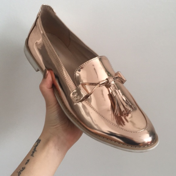55d0b0ee971 Just Fab Shoes - Just Fab Metallic Rose Gold Loafers Size 11